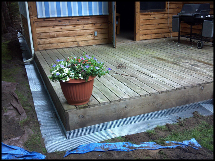 Deck Barrier